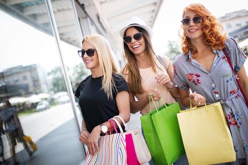 le magasin d'accessoires et décoration pour les fêtes